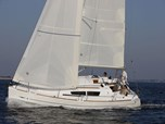 Sailing boat Jeanneau Sun Odyssey 33i for sale!